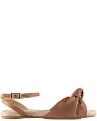 Sandali piatti in pelle marroni
