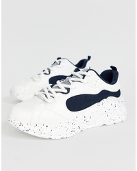 Scarpe sportive bianche e nere di Bershka