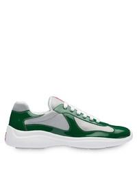 Scarpe sportive bianche e verdi di Prada