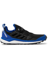 Scarpe sportive nere di adidas Consortium