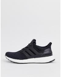 Scarpe sportive nere di adidas