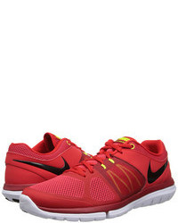 Scarpe sportive rosse