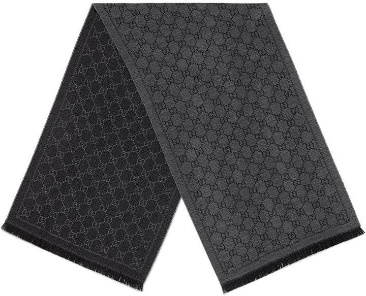 selezione premium d67a8 0ccf9 Sciarpa lavorata a maglia grigio scuro di Gucci