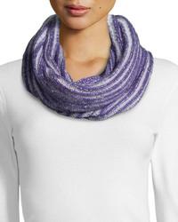 Sciarpa lavorata a maglia viola chiaro