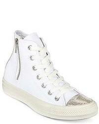 Sneakers alte di tela bianche