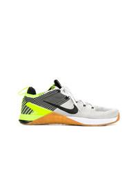 Sneakers basse beige di Nike