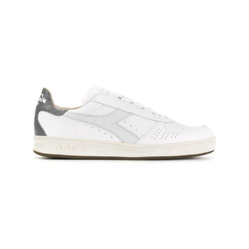 timeless design cae06 af021 €187, Sneakers basse di tela bianche di Diadora