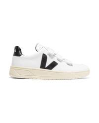 Sneakers basse in pelle bianche e nere di Veja