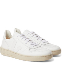 Sneakers basse in pelle bianche di Veja