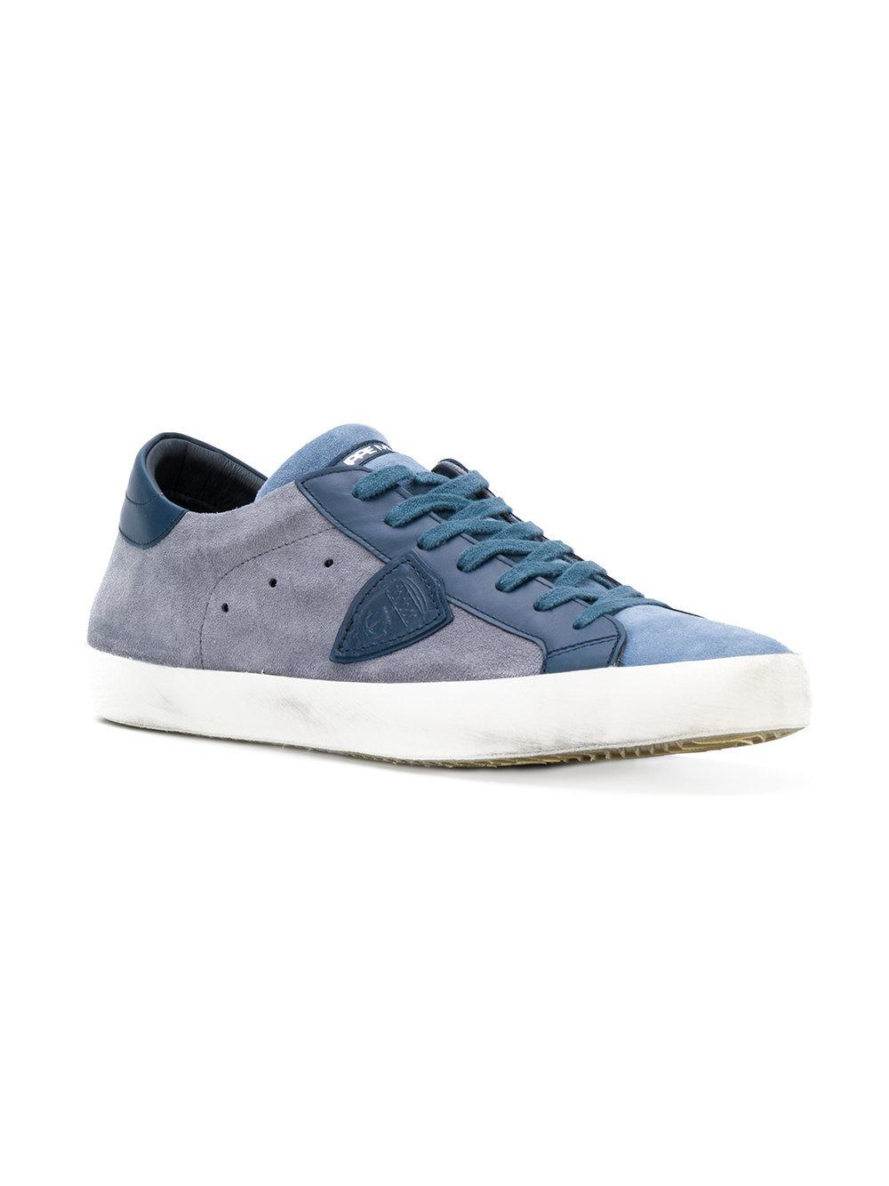 ... Sneakers basse in pelle scamosciata blu di Philippe Model ... 4bfe8ee4065