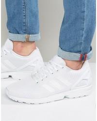 Sneakers bianche di adidas
