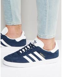Sneakers blu scuro di adidas