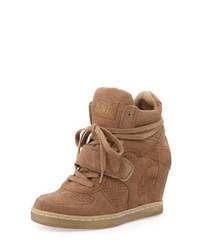 Sneakers con zeppa in pelle scamosciata marrone chiaro