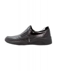 Sneakers senza lacci in pelle nere di Geox