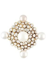 Spilla bianca di Chanel