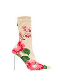 Stivaletti elasticizzati a fiori beige di Alexander McQueen