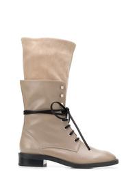 Stivali piatti stringati in pelle grigi di Stuart Weitzman