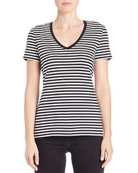 T-shirt con scollo a v a righe orizzontali nera e bianca
