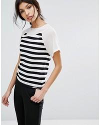 T-shirt girocollo a righe orizzontali bianca e nera di Sisley