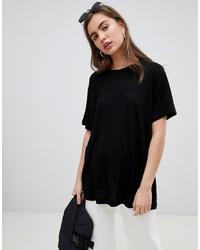 T-shirt girocollo nera di Dr. Denim