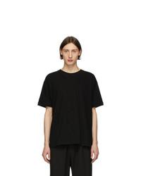 T-shirt girocollo nera di Isabel Benenato