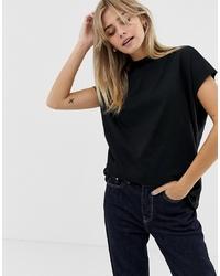T-shirt girocollo nera di Weekday
