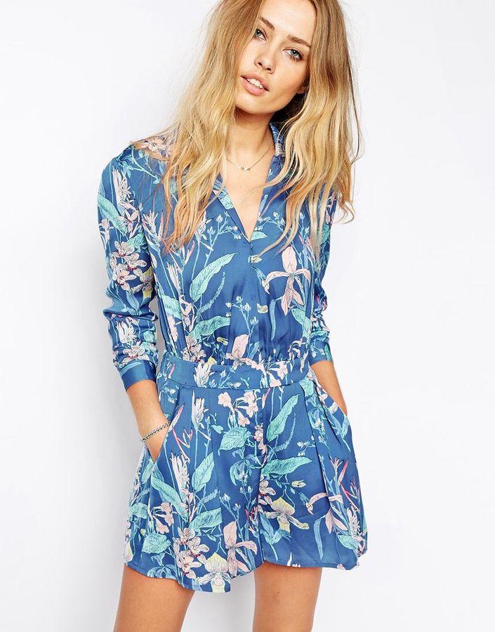 newest collection 4889e ab538 €137, Tuta corta a fiori blu di Pepe Jeans