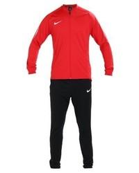 Tuta sportiva rossa di Nike