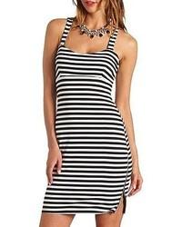 Vestito aderente a righe orizzontali bianco e nero