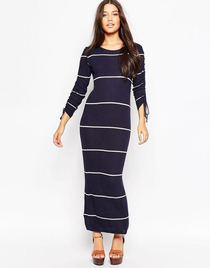 best cheap 155f5 432b6 €39, Vestito lungo a righe orizzontali blu scuro di Mango