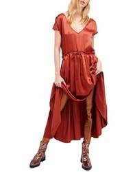 Vestito lungo di raso rosso