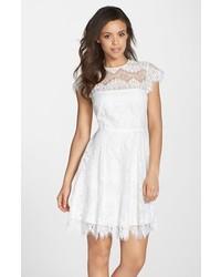 Vestito svasato bianco