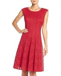 reputable site b4fb8 91558 Vestiti svasati di pizzo rossi da donna su Zalando | Moda ...