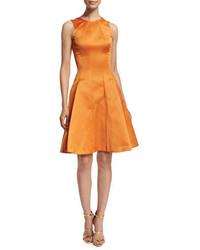 Vestito svasato di raso arancione