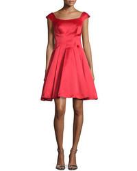 Vestito svasato di raso rosso